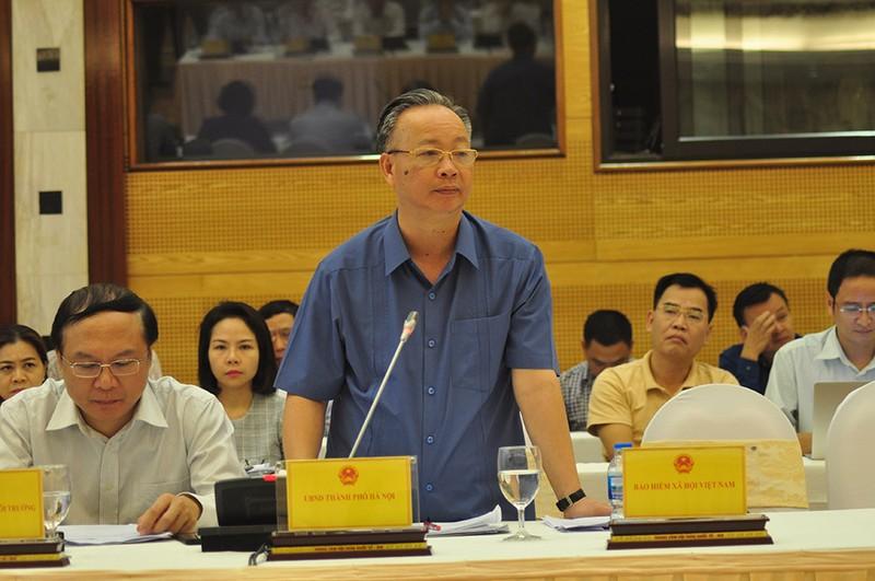 Sách giáo khoa, chợ Long Biên làm nóng cuộc họp báo Chính phủ - ảnh 3