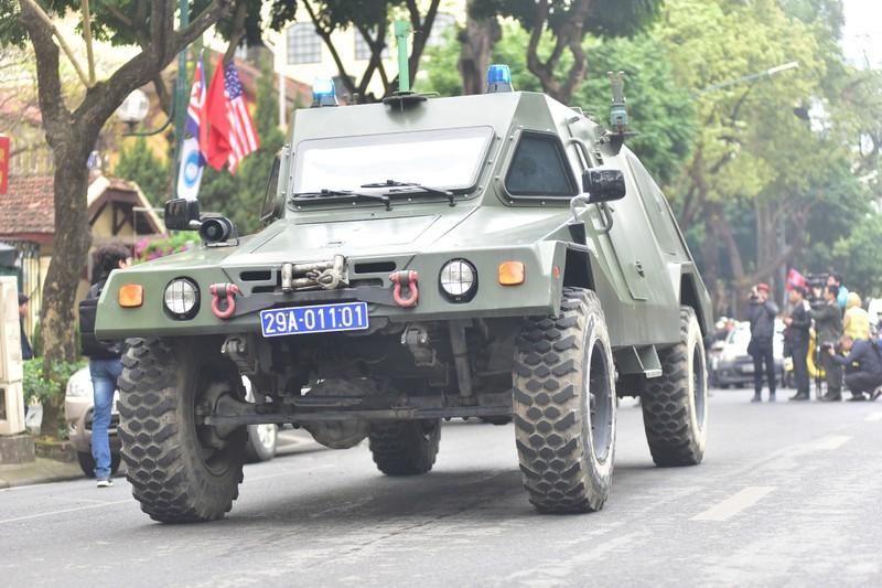 Dàn xe 'khủng' công an Hà Nội bảo vệ hội nghị Mỹ - Triều - ảnh 3
