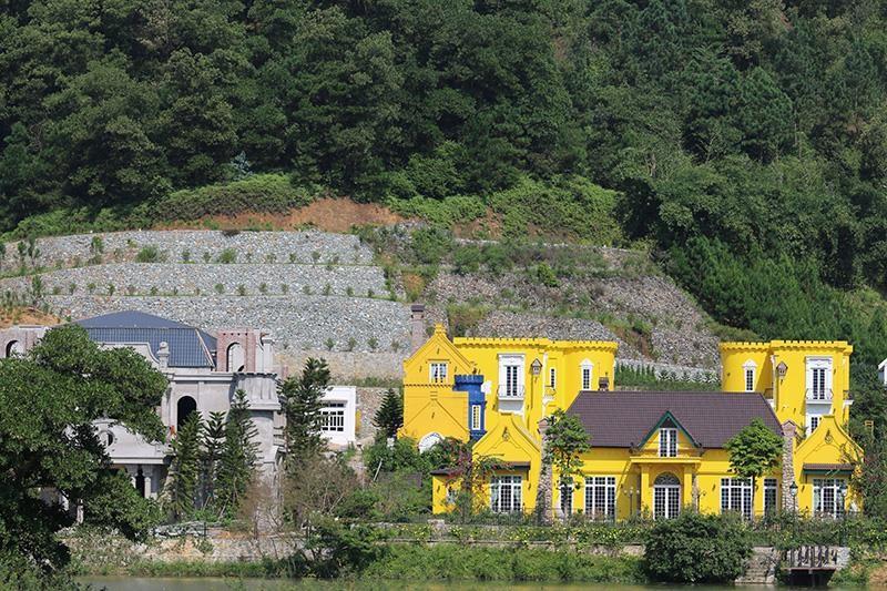 Hà Nội có đập bỏ gần nghìn công trình 'băm nát' rừng Sóc Sơn? - ảnh 2