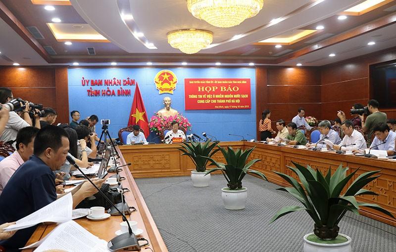 Hòa Bình họp báo vụ ô nhiễm nước sạch sông Đà - ảnh 1
