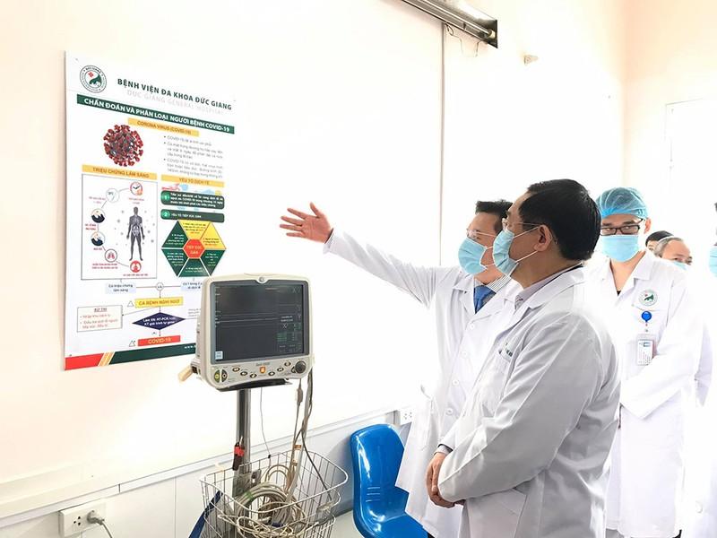Tân Bí thư Hà Nội thăm khu cách ly phòng dịch COVID-19 - ảnh 1
