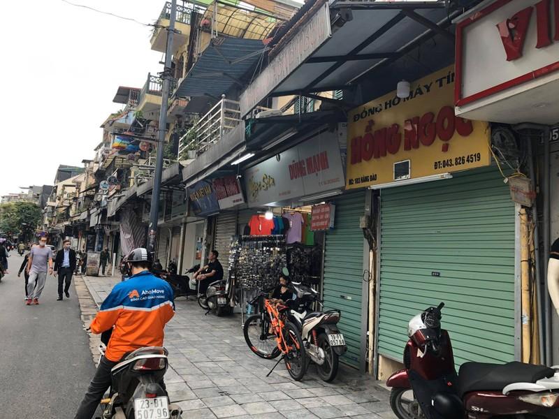 Hà Nội: Nhiều hàng quán hoạt động cầm chừng - ảnh 2