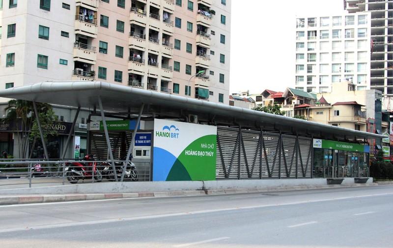 Gần 1.000 tỉ đồng làm 600 nhà chờ xe buýt hiện đại - ảnh 1