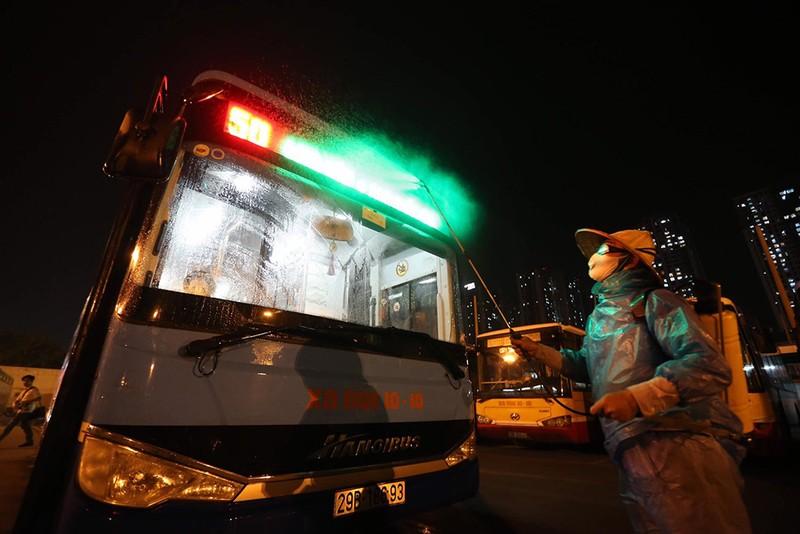 Hà Nội: cả Ban giám đốc xí nghiệp xe bus 10-10 bị cách ly - ảnh 1