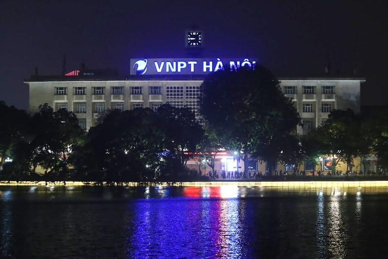 Hồ Gươm lung linh với dàn đèn LED mới - ảnh 4