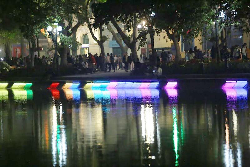 Hồ Gươm lung linh với dàn đèn LED mới - ảnh 3