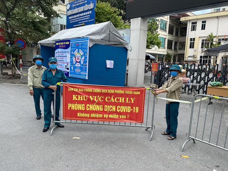 Hà Nội: Dịch lan vào chợ, bệnh viện, chuỗi cung ứng hàng hóa - ảnh 1