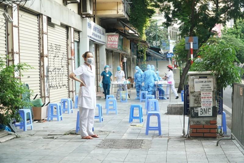 Quận Hoàn Kiếm đang rà soát điểm dịch BV Việt Đức để đưa người đi cách ly - ảnh 1