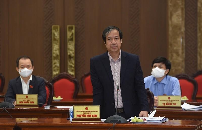 Bộ trưởng GD&ĐT đề nghị cho học sinh ngoại thành Hà Nội đến trường - ảnh 1