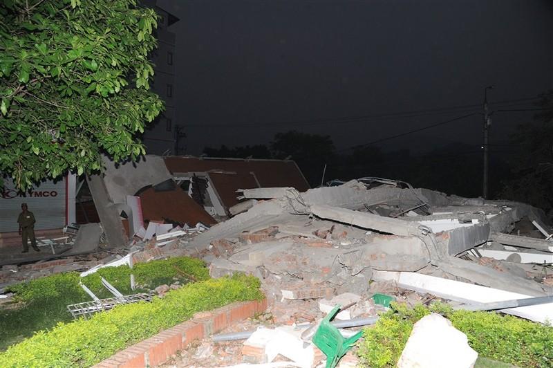 Cao Bằng: Sập nhà 5 tầng, 3 người chết, 3 người bị thương - ảnh 1