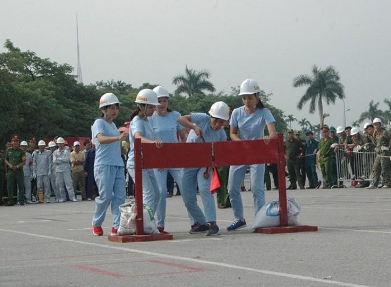 Những màn dập lửa mãn nhãn của Cảnh sát PCCC Hà Nội - ảnh 6
