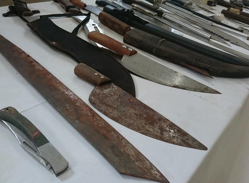 141 Hà Nội thu giữ được cả một 'kho' vũ khí các loại - ảnh 2