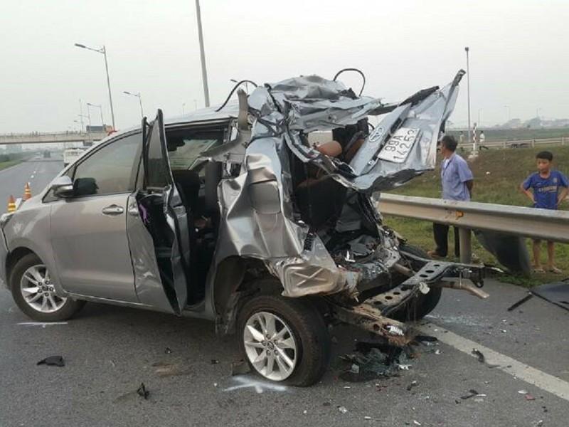 Điều tra vụ tai nạn 4 người chết trên cao tốc Hà Nội - ảnh 1