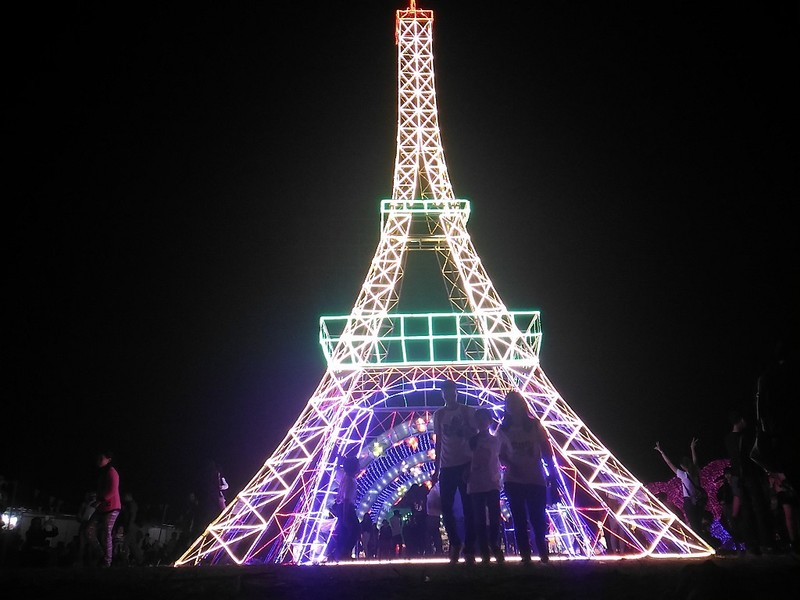 Giới trẻ Hà Nội 'phát cuồng' với lễ hội đèn lồng - ảnh 7