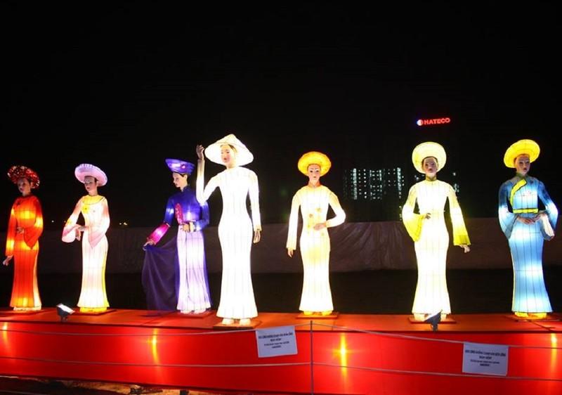 Giới trẻ Hà Nội 'phát cuồng' với lễ hội đèn lồng - ảnh 6