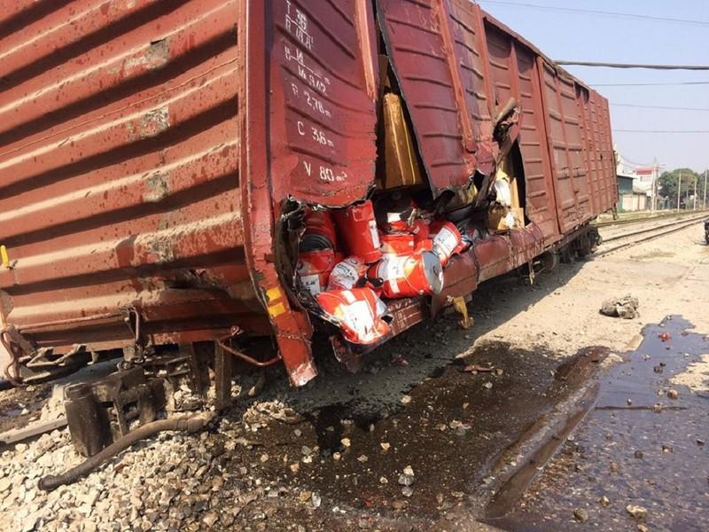 Hà Nội: 7 toa tàu hỏa bị trật khỏi đường ray - ảnh 3