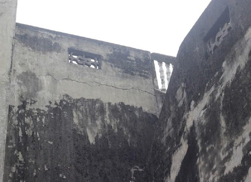 Hà Nội: Khiếp vía ngôi nhà nghiêng... 60 cm chờ đổ sập - ảnh 5