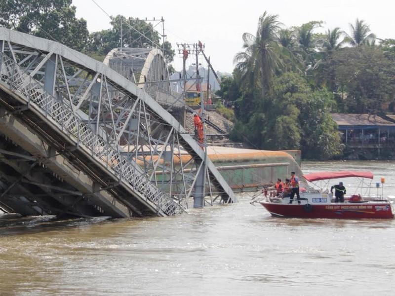 Bộ Công an: Gần 200 điểm nguy cơ đâm va trên sông - ảnh 1