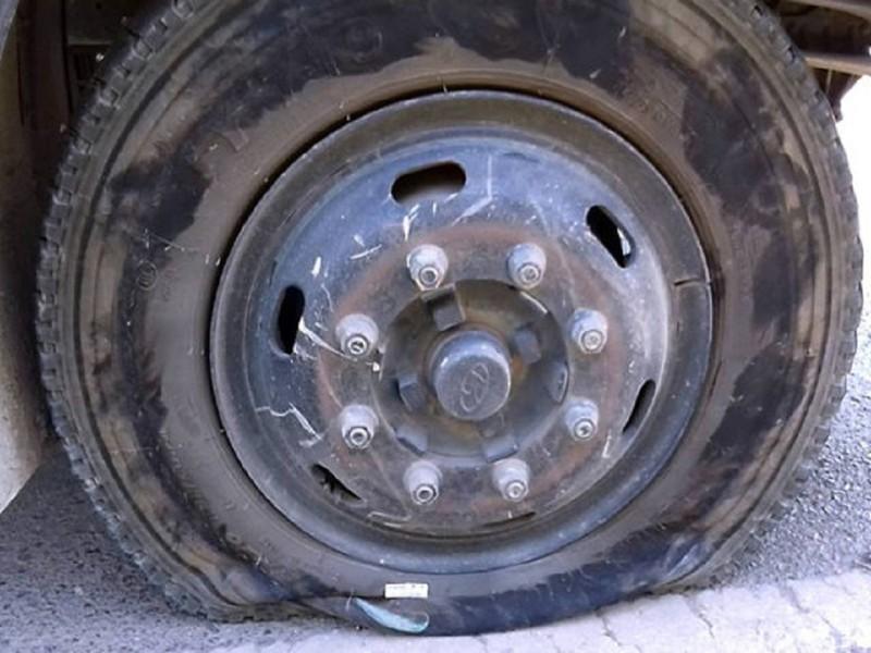 Công an tìm ra thủ phạm rải bàn chông bẫy xe tải - ảnh 2