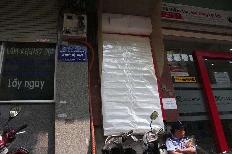 Dẹp vỉa hè: Người dân 'chật vật' rút tiền từ máy ATM - ảnh 2