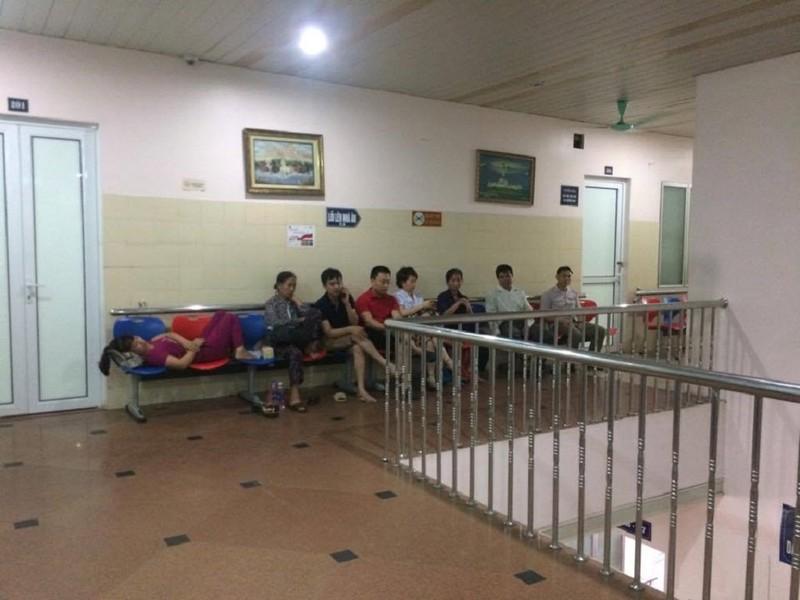 20 côn đồ xông vào bệnh viện truy sát bệnh nhân - ảnh 2