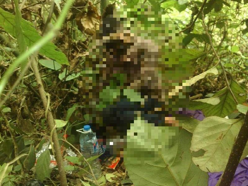 Nam thanh niên chết trong tư thế ngồi ở bụi tre - ảnh 1