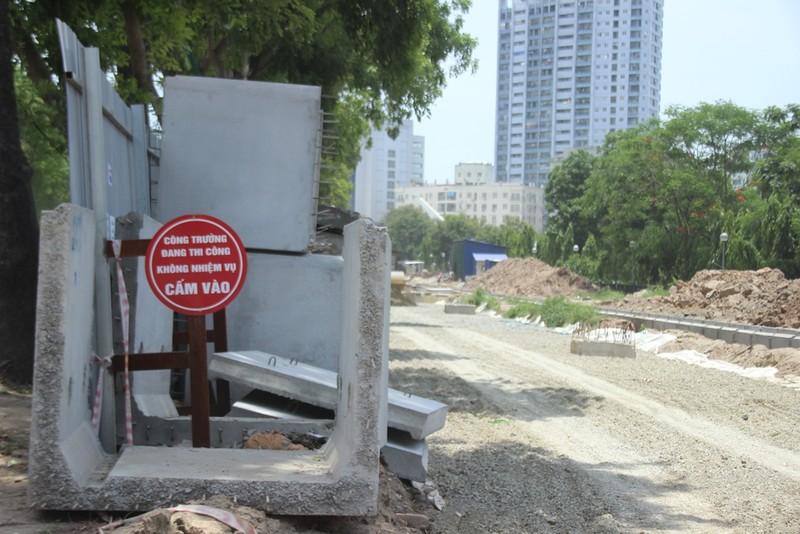 Chặt 1.300 cây trên đường Phạm Văn Đồng để mở đường - ảnh 10