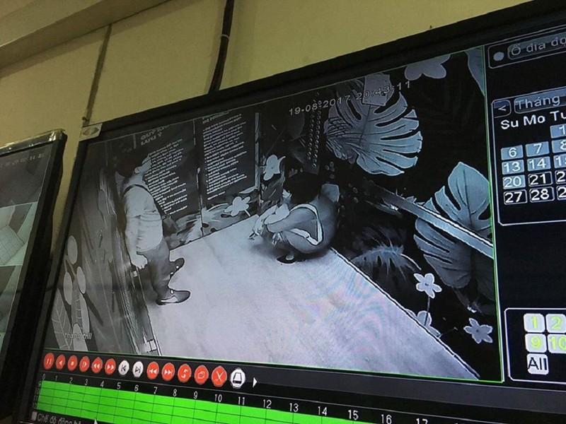 Mắc kẹt trong thang máy, 2 người nhập viện cấp cứu - ảnh 1