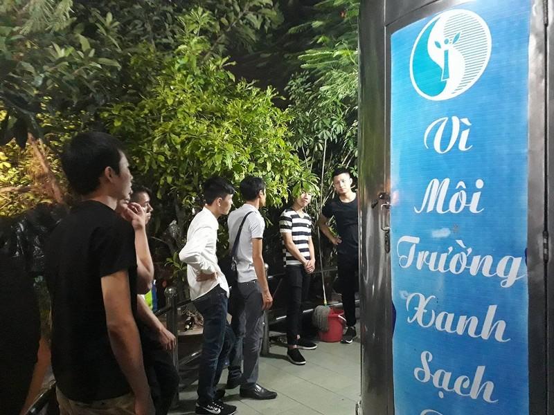 Nam thanh nữ tú Hà Nội 'toát mồ hôi' đi chơi trung thu - ảnh 12