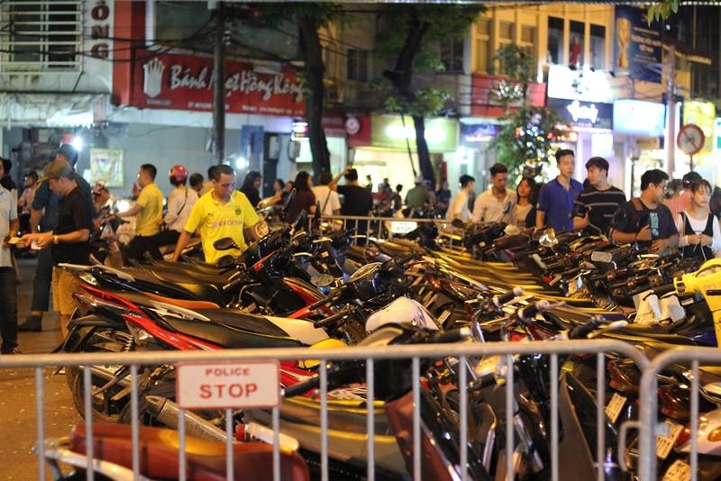 Trung thu là dịp 'chặt chém' của các bãi xe ở Hà Nội  - ảnh 3