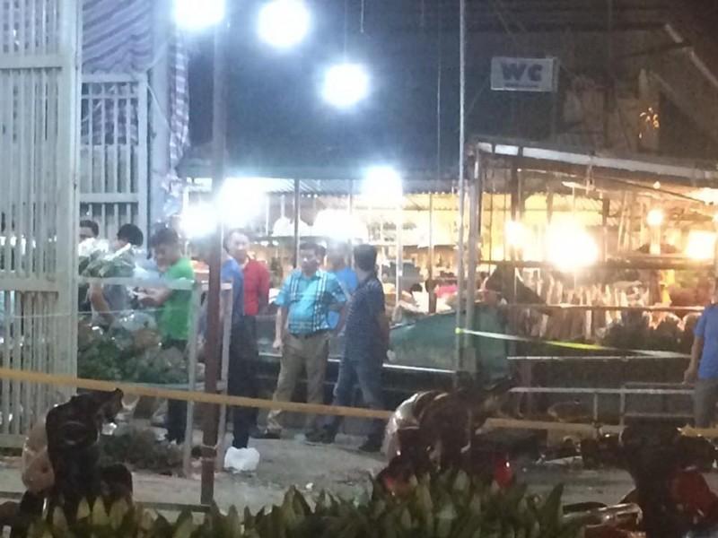 Hà Nội: Thiếu niên 16 tuổi bị đâm chết tại chợ hoa - ảnh 1