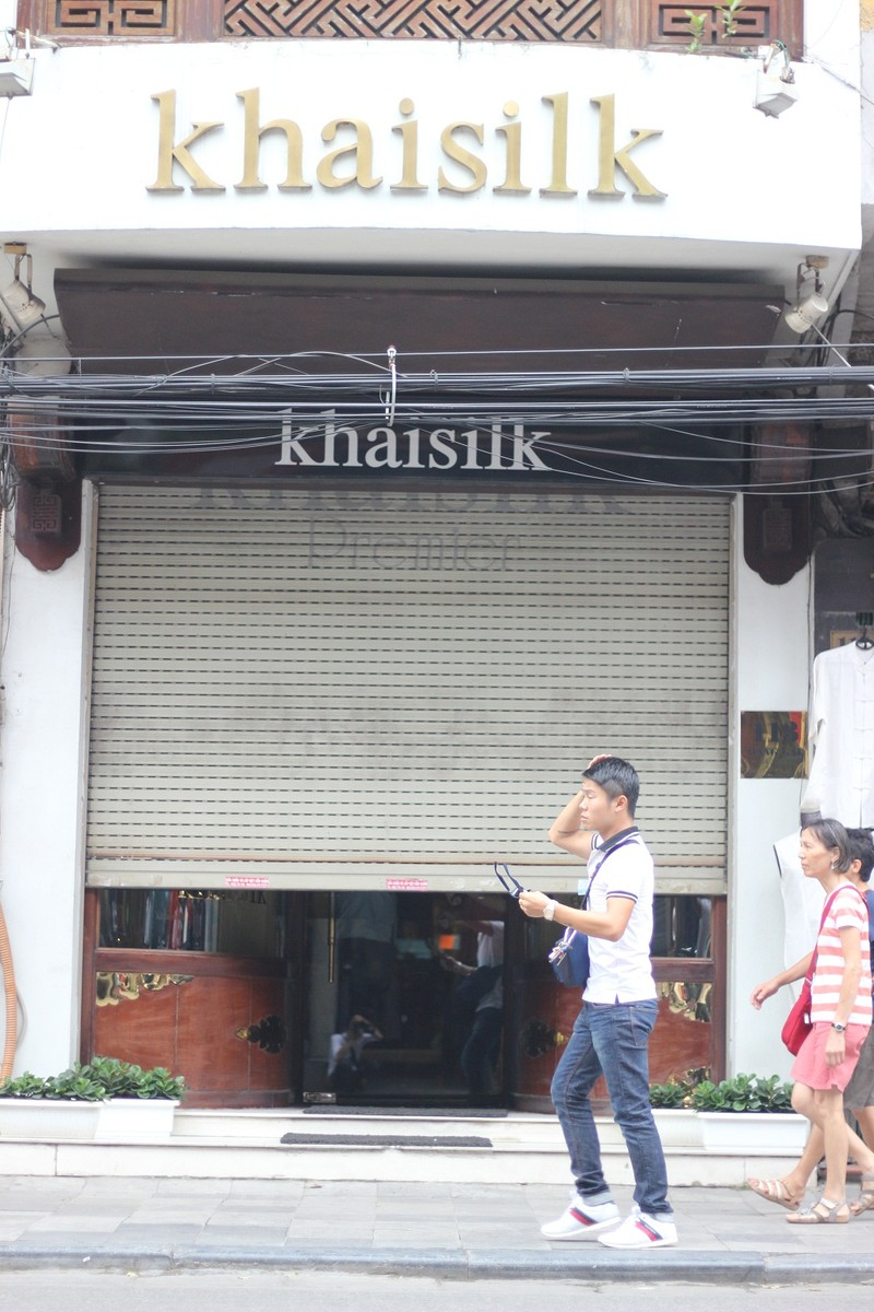 Bất ngờ bị kiểm tra, Khaisilk tại Hà Nội đóng cửa - ảnh 1