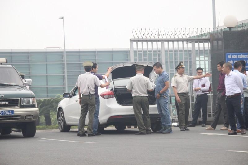 Siết chặt an ninh tại Nội Bài đón ông Tập Cận Bình  - ảnh 4