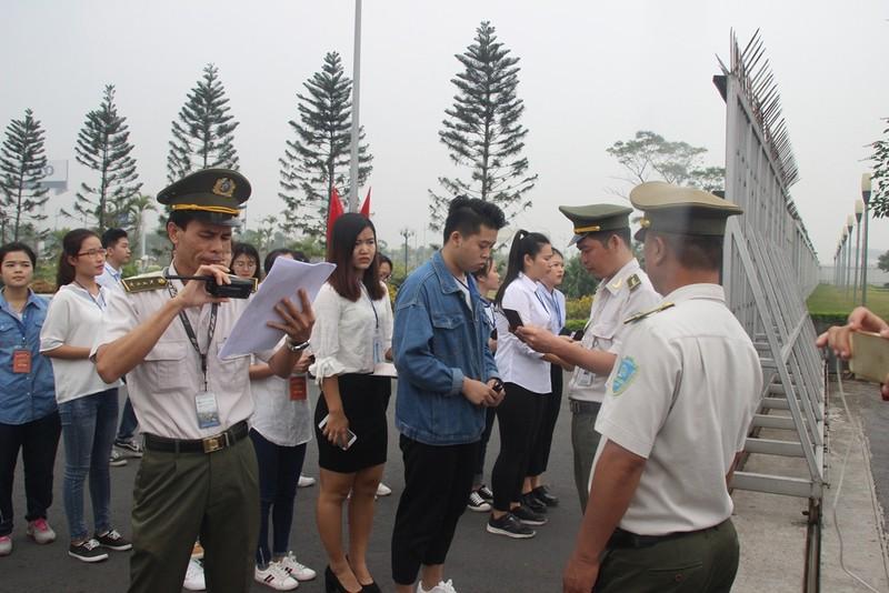 Siết chặt an ninh tại Nội Bài đón ông Tập Cận Bình  - ảnh 7