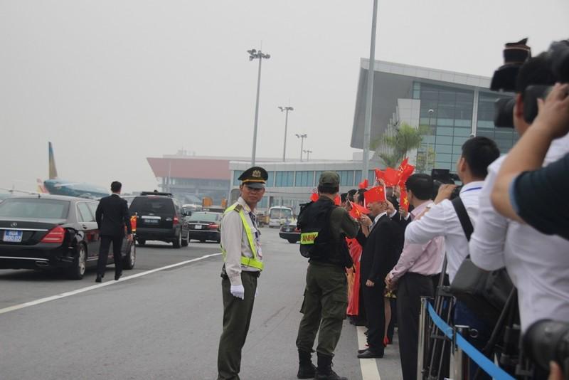 Chùm ảnh đón ông Tập Cận Bình tại sân bay Nội Bài - ảnh 12