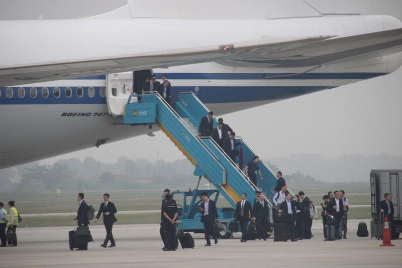 Chùm ảnh đón ông Tập Cận Bình tại sân bay Nội Bài - ảnh 7