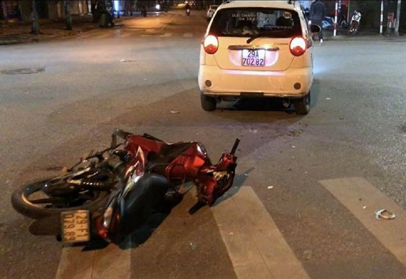 Thấy cảnh sát, lao xe bỏ chạy rồi gây tai nạn - ảnh 1