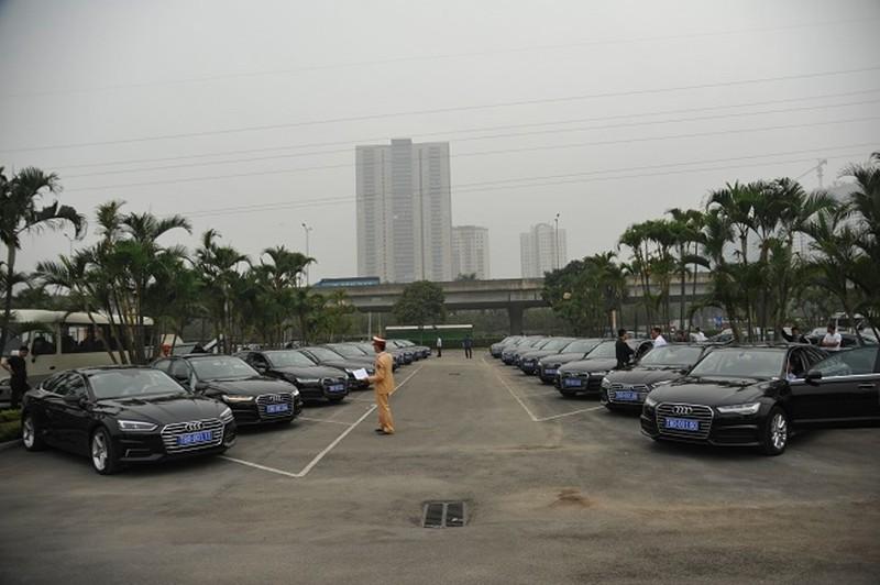 Ngắm dàn xe 'khủng' phục vụ hội nghị CLV-10 - ảnh 4