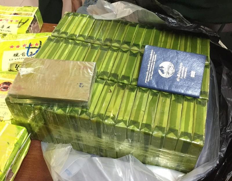 Máy quét phát hiện 25 kg ma túy đá và 52 bánh heroin - ảnh 2
