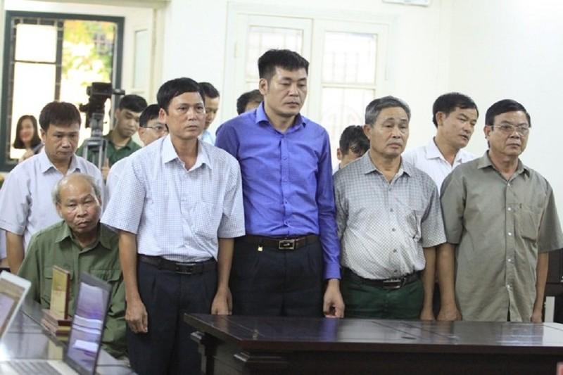 Vụ Đồng Tâm: Tòa nghỉ sớm vì thành viên HĐXX bất ngờ bị mệt - ảnh 1