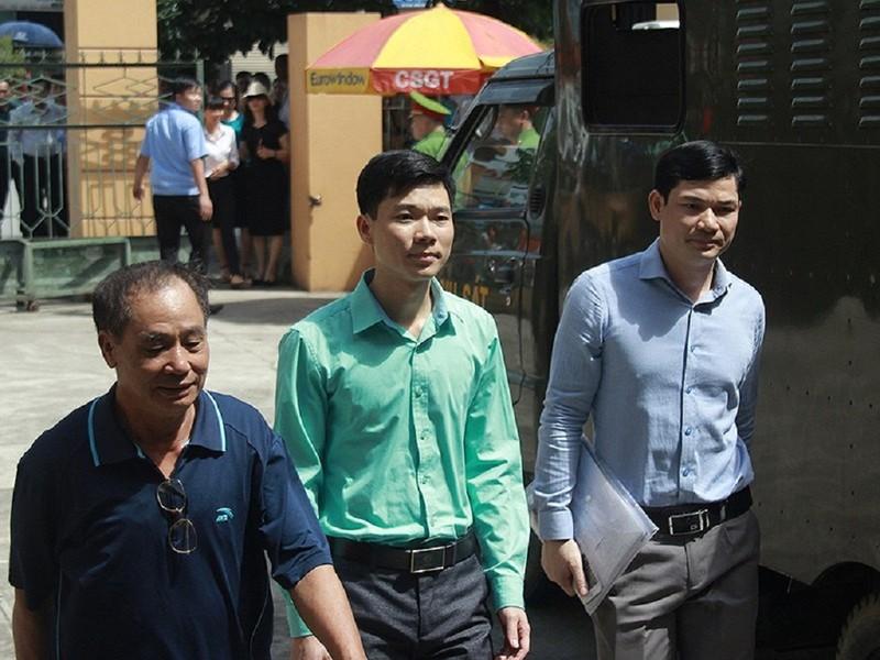 Lần thứ 3 thay đổi tội danh BS Hoàng Công Lương - ảnh 1