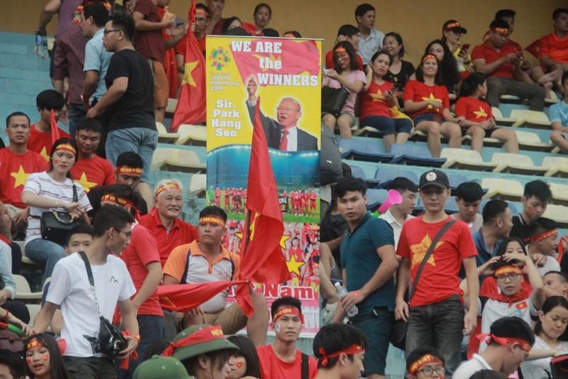 Hà Nội đã sẵn sàng 'cháy rực' cùng Olympic Việt Nam - ảnh 9