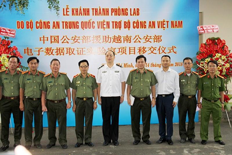 Trung Quốc viện trợ Bộ Công an Việt Nam lắp đặt phòng LAB - ảnh 1