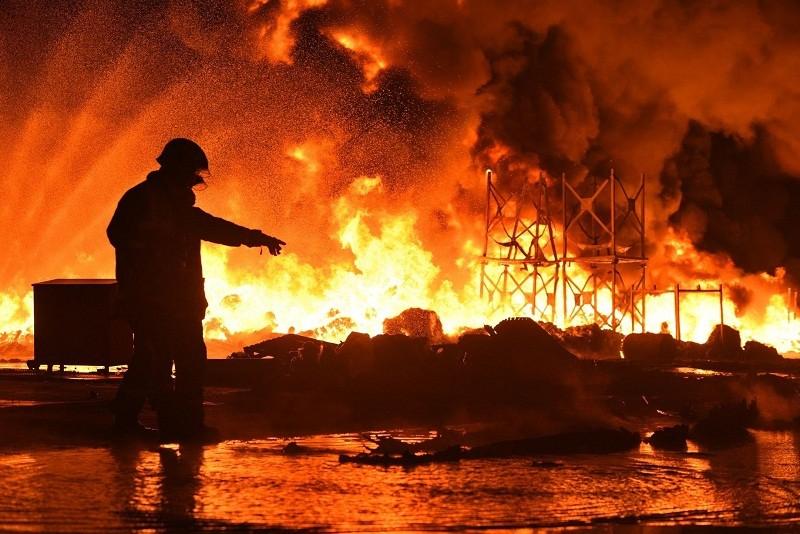 Hỏa hoạn khiến 73 người chết, thiệt hại 1.600 tỉ đồng - ảnh 1