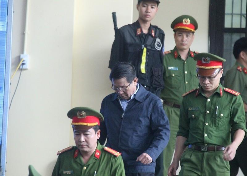 Ông Phan Văn Vĩnh nhập viện trước ngày tuyên án - ảnh 1