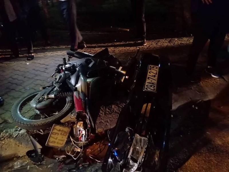 'Xe điên' Lexus đâm gục hàng chục xe máy, tông cả xe CSGT - ảnh 5