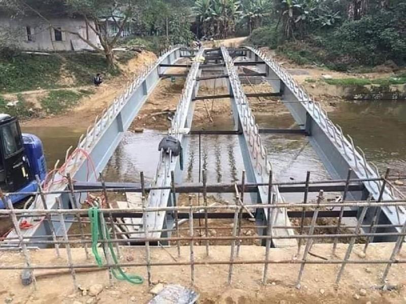 Thi công sai thiết kế, cây cầu từ thiện sập xuống suối - ảnh 3