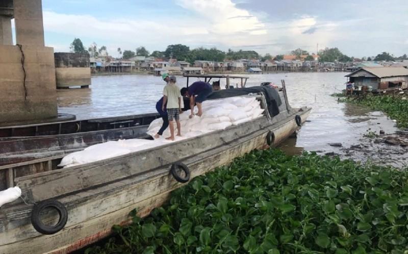 Bộ Công an triệt phá đường dây buôn lậu 'khủng' từ Campuchia - ảnh 1