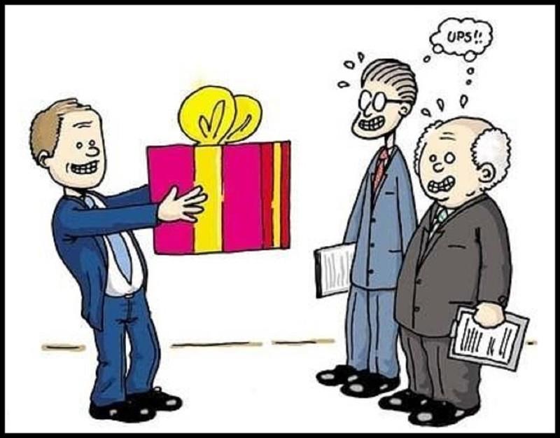 Đề xuất việc tặng quà bằng tài sản công - ảnh 1