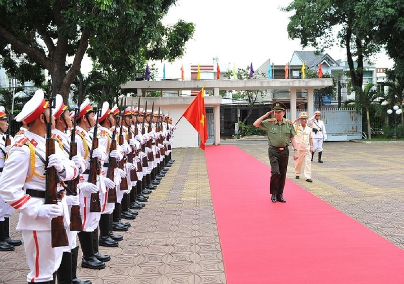 Bộ trưởng Tô Lâm làm việc với Kon Tum về chính quy công an xã - ảnh 1